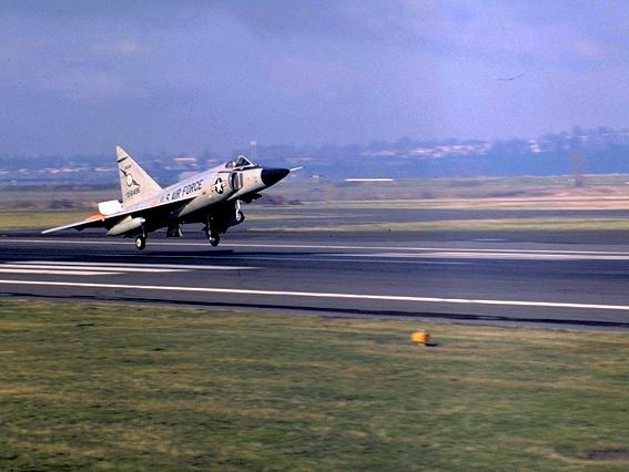 F 102 A